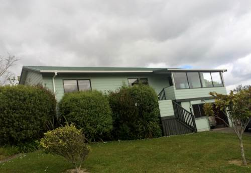 Stanmore Bay, Family Home in Quiet Cul-de-sac, Property ID: 56001508 | Barfoot & Thompson