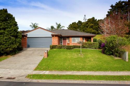 Red Beach, BRICK & TILE - 3 BEDROOM SINGLE LEVEL, Property ID: 56002640 | Barfoot & Thompson