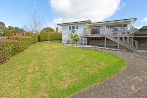 Stanmore Bay, SUNNY, MODERN 2 BEDROOM HOME, Property ID: 56002644 | Barfoot & Thompson