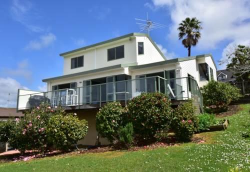 Orewa, FAMILY HOME WITH FANTASTIC VIEWS IN OREWA, Property ID: 56002711 | Barfoot & Thompson