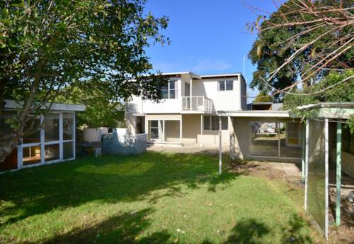 Orewa, THREE BEDROOM HOUSE ON THE FLAT, Property ID: 56002770 | Barfoot & Thompson
