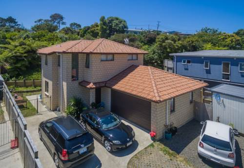 Red Beach, SO CLOSE TO THE BEACH, Property ID: 56002847 | Barfoot & Thompson