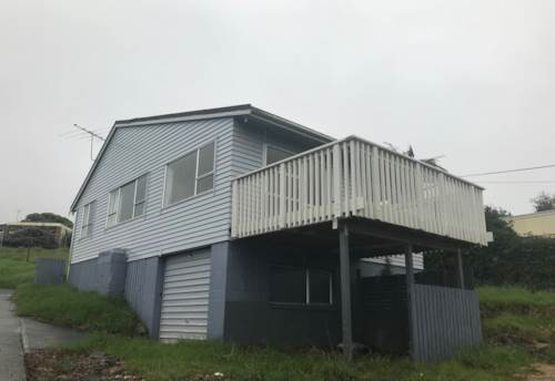 Stanmore Bay, Two bedroom family house in Stanmore Bay , Property ID: 56002873 | Barfoot & Thompson