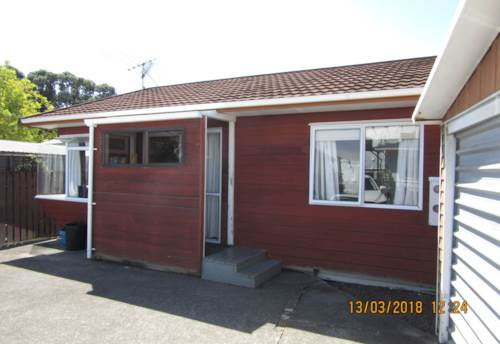 Orewa, Fully Furnished - Just Bring Your Suitcase., Property ID: 56002888 | Barfoot & Thompson