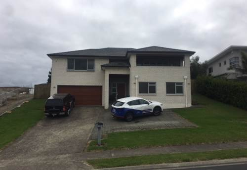 Orewa, EXTENDED FAMILY? ROOM FOR EVERYONE, Property ID: 56002914 | Barfoot & Thompson