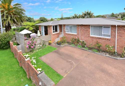 Orewa, Solid Family Home, Property ID: 56002923 | Barfoot & Thompson