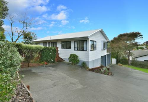 Stanmore Bay, Sunny Family Home, Property ID: 56002950 | Barfoot & Thompson