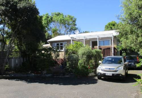 Manly, 3 Bedroom Home next to the Reserve, Property ID: 56003015 | Barfoot & Thompson