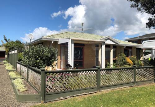Orewa, Close to the Shops in Central Orewa, Property ID: 56003025 | Barfoot & Thompson