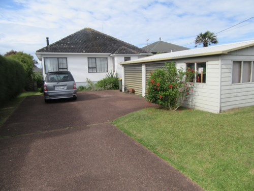 Army Bay, Spacious Home with Sea views, Property ID: 56003057   Barfoot & Thompson