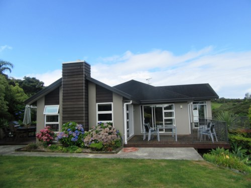 Red Beach, EXECUTIVE HOME WITH BEAUTIFUL VIEWS, Property ID: 56003063 | Barfoot & Thompson