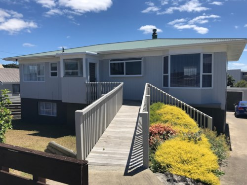 Stanmore Bay, Opportunity for combined family., Property ID: 56003069 | Barfoot & Thompson