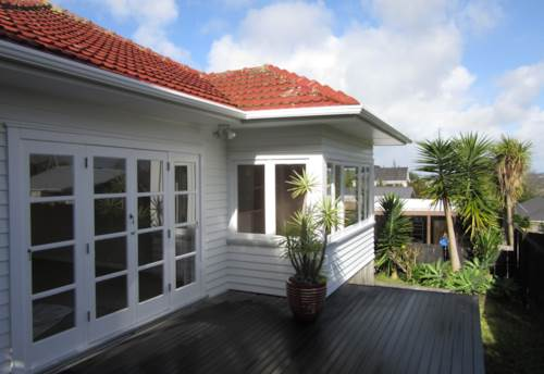 Stanmore Bay, IMMACULATE - COSY COTTAGE, Property ID: 56003168 | Barfoot & Thompson