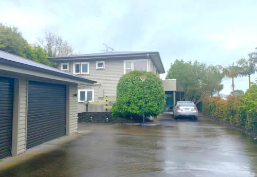 Red Beach, Large Family Home, Property ID: 56003194 | Barfoot & Thompson
