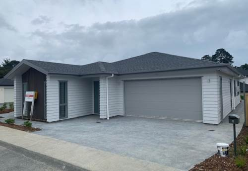 Stanmore Bay, BRAND NEW - SPACIOUS SINGLE LEVEL- FAMILY HOME, Property ID: 56003197 | Barfoot & Thompson