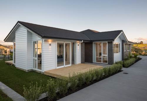 Orewa, Beautiful Ex Show Home, Property ID: 56003241 | Barfoot & Thompson