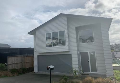 Silverdale, VERY SPACIOUS - MODERN FAMILY HOME, Property ID: 56003287 | Barfoot & Thompson