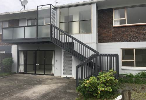 Orewa, Perfect Location , Property ID: 56003292 | Barfoot & Thompson