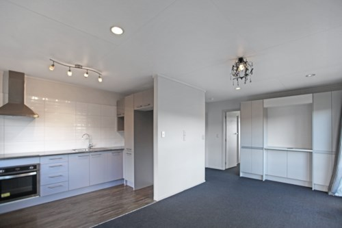 Meadowbank, Modern Elevated Unit, Property ID: 58000634 | Barfoot & Thompson
