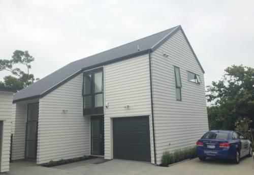 Glen Innes, Family House in Glen Innes!, Property ID: 58000796 | Barfoot & Thompson