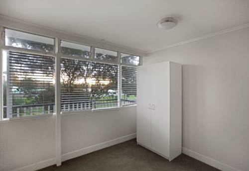 Meadowbank, ELEVATED AND SECURE!, Property ID: 58000810 | Barfoot & Thompson