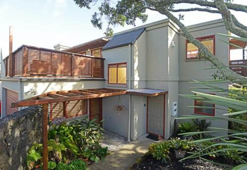 Meadowbank, Views To Rangitoto Island, City & One Tree Hill, Property ID: 58000849 | Barfoot & Thompson