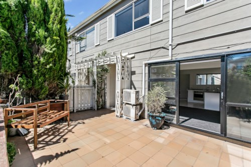 Remuera, Newly Renovated Townhouse, Property ID: 58001984 | Barfoot & Thompson
