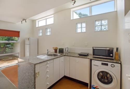 Glendowie, One Bedroom Flat Plus A Study , Property ID: 58002030 | Barfoot & Thompson