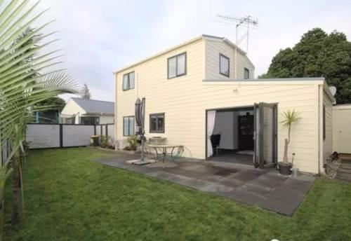 Ellerslie, Three bedrooms in Ellerslie , Property ID: 58003048 | Barfoot & Thompson