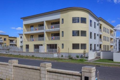 Flat Bush, Spacious, trendy apartment in great location, Property ID: 59001356 | Barfoot & Thompson