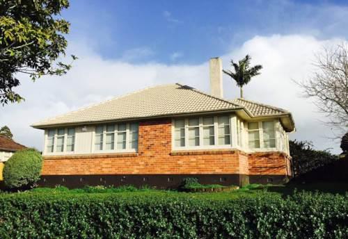 Glen Innes, Beautiful Solid Home , Property ID: 59001488 | Barfoot & Thompson