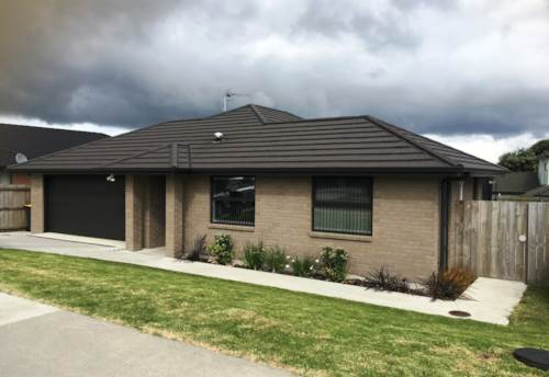 Mangere, A Stunning Home in a Neighbourly Community, Property ID: 59001637 | Barfoot & Thompson