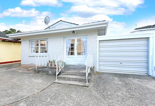Manurewa East, Newly Refreshed Two Beddy, Property ID: 59001646 | Barfoot & Thompson