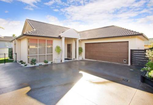 Bucklands Beach, Stunning Macleans Zone Home, Property ID: 59001704 | Barfoot & Thompson