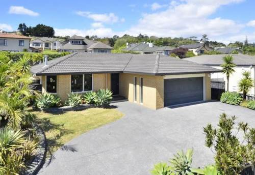 East Tamaki Heights, Look No Further!, Property ID: 59001777 | Barfoot & Thompson