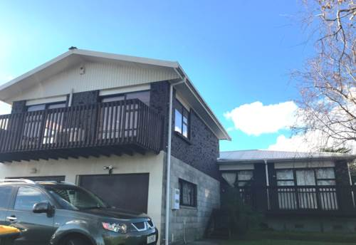 Pakuranga, LARGE PET FRIENDLY HOME, Property ID: 59001780 | Barfoot & Thompson