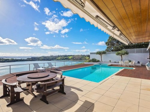 Remuera, Grandstand Position, Property ID: 59001796 | Barfoot & Thompson