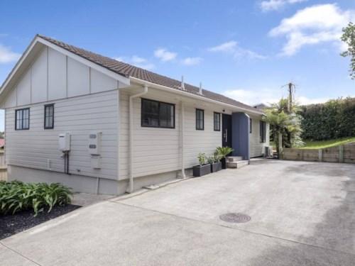 Botany Downs, Beautiful Home, Property ID: 59002832 | Barfoot & Thompson