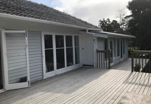 Mangawhai, Newly renovated family home in fabulous location, Property ID: 61000682 | Barfoot & Thompson