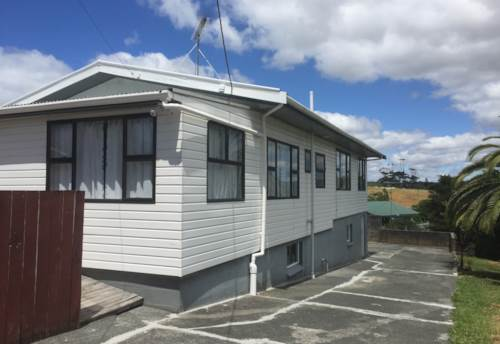Snells Beach, Family Home in the Heart of Snells Beach, Property ID: 61000726 | Barfoot & Thompson