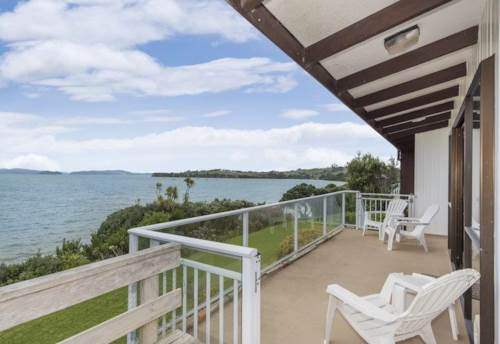 Algies Bay, RIGHT ON THE BEACH, Property ID: 61000738 | Barfoot & Thompson