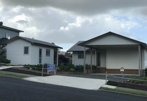Mangawhai, Handy to everything, Property ID: 61000785 | Barfoot & Thompson