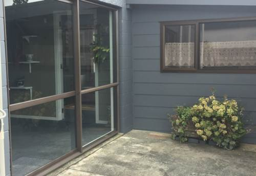 Snells Beach, Cosy one bedroom , Property ID: 61000787 | Barfoot & Thompson