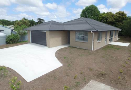 Mangawhai, Brand new in the Village, Property ID: 61000908 | Barfoot & Thompson