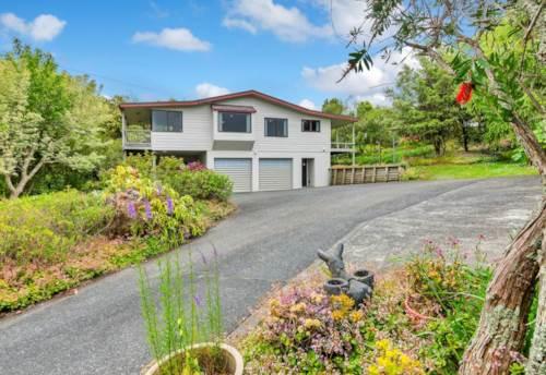 Warkworth, Fabulous Home, Property ID: 61000914 | Barfoot & Thompson