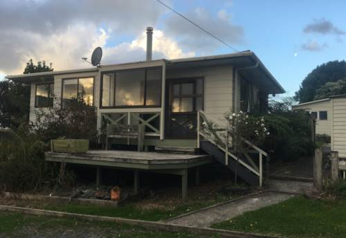 Snells Beach, SUNNY PRIVATE COTTAGE, Property ID: 61000982 | Barfoot & Thompson