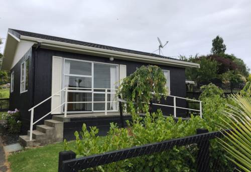 Helensville, One Bedroom Cutie, Property ID: 62000605 | Barfoot & Thompson