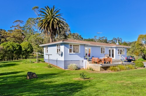 Kumeu, Rural Lifestyle with Grazing, Property ID: 62000624 | Barfoot & Thompson