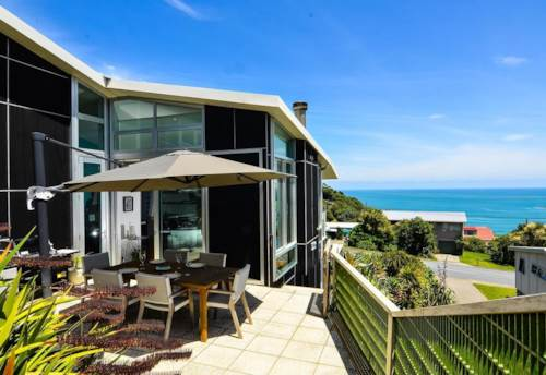 Muriwai,  STYLISH AND SPECTACULAR COASTAL LIVING, Property ID: 62000644 | Barfoot & Thompson