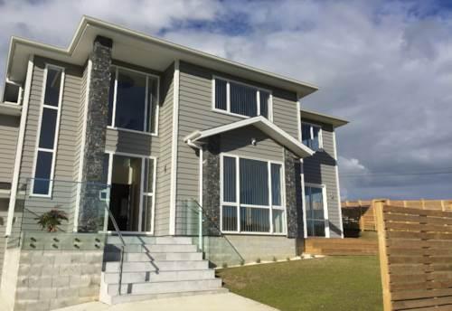 Huapai, Stylish and New, Property ID: 62000647 | Barfoot & Thompson